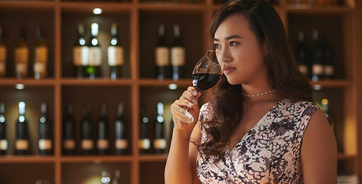 Diseño de etiqueta de vino en Asia